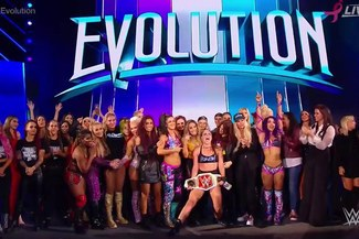 WWE Evolution: Becky Lynch, Ronda Rousey y Nia Jax ganadoras del histórico evento femenil [VIDEO]