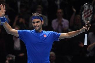 Roger Federer clasificó a las semifinales del Masters de Londres tras vencer a Anderson
