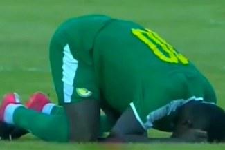 Sadio Mané y su afligido llanto dentro del campo pese a victoria de Senegal [VIDEO]