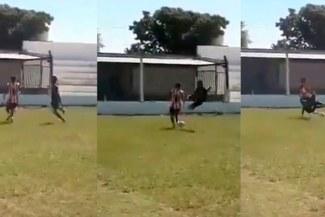 Viral: Terrible patada es catalogada la más violenta del año [VIDEO]
