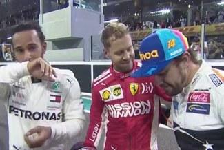 Fernando Alonso se retiró de la Fórmula 1 con espectacular maniobra en compañía de Vettel y Hamilton [VIDEO]