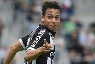 Cristian Benavente anota un golazo para el 1-0 del Sporting Charleroi sobre Círculo Brujas [VIDEO]
