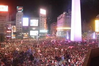 River Plate campeón Copa Libertadores 2018: Así celebran los hinchas del 'Millonario' en el Obelisco [VIDEO]
