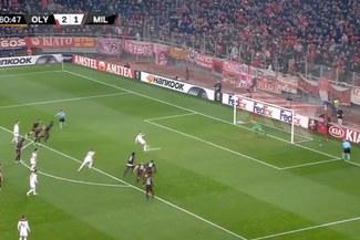 Europa League: Fortounis anota penal dudoso para el 3-1 del Olympiakos que elimina al Milan [VIDEO]