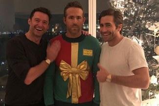 Hugh Jackman y Jake Gyllenhaal le hicieron pesada broma a Ryan Reynolds