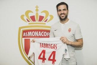 ¡Con la dorsal 44! Cesc Fábregas firmó por AS Mónaco hasta el 2022