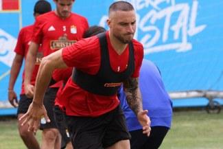 Emanuel Herrera lidera el ataque de Cristal en amistoso ante Boys