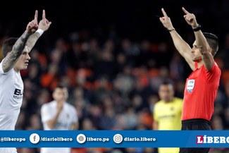 UEFA toma peculiar medida para los jugadores que pidan el VAR en la Champions League