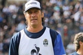 Pedro Troglio dejó de ser técnico de Gimnasia y Esgrima de La Plata tras derrota en Superliga Argentina