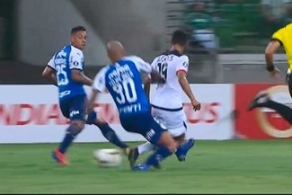 Melgar vs Palmeiras: Felipe Melo y su criminal falta sobre Arias que pudo ser expulsión [VIDEO]