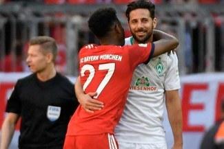 Claudio Pizarro recibió elogios de un jugador de Bayern Munich