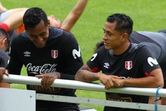 Yoshimar Yotún invita a Renato Tapia a fichar por el Cruz Azul