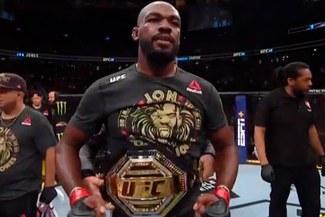 Jon Jones retiene su título tras vencer a Thiago Santos por decisión de los jueces en el UFC 239 [VIDEO]
