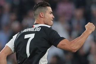 Juventus venció 2-1 a Verona, con gol de Cristiano Ronaldo, y es líder de la Serie A [RESUMEN]