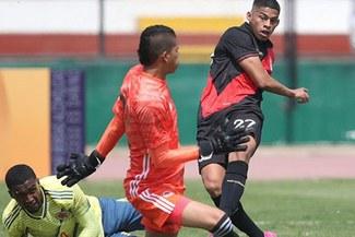 Kevin Quevedo 'rompe' cintura a colombiano y marca golazo para Perú [VIDEO]