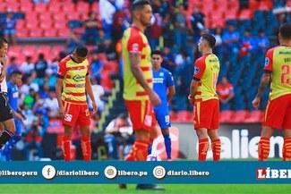 Cruz Azul y Morelia se quedaron parados durante un minuto en solidaridad con Veracruz