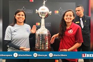 Jugadoras de fútbol femenino local estuvieron en la presentación del trofeo de la Copa Libertadores 2019 [VIDEO]