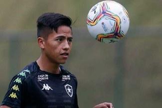 Alexander Lecaros destacó en entrenamiento de Botafogo y se convirtió en alternativa