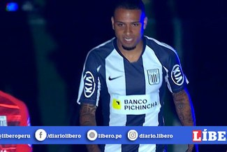 Alexi Gómez recibió fuerte cántico en su presentación en la 'Noche Blanquiazul' [VIDEO]