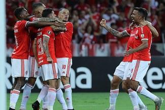 Inter de Paolo Guerrero vence 2-0 a la U de Chile y clasifica a fase 3 de la Libertadores
