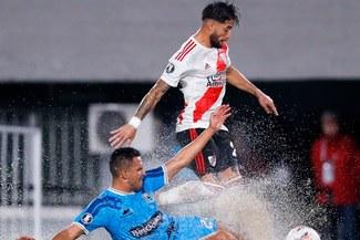 ¡Humillados! River goleó 8-0 a Binacional que terminó con 10 por lesión de Raúl Fernández