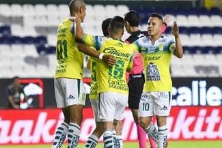 León con Pedro Aquino en el campo venció a Pumas por 3-1 en la Liga MX