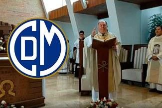 """Padre sorprende con pedido en misa: """"Mi ilusión es que Municipal sea campeón este año"""" [VIDEO]"""