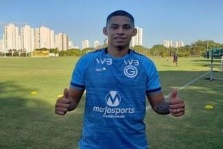 Kevin Quevedo se luce en las prácticas del Goiás [FOTO]