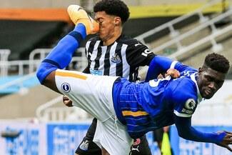 Premier League: Bissouma fue expulsado por terrible falta contra Lewis [VIDEO]