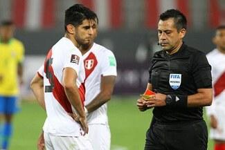Julio Bascuñán fue criticado en Chile por su arbitraje en el Perú vs Brasil – FOTOS