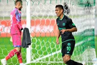 Paolo Hurtado anotó triplete en Europa y pide nueva oportunidad en la Blanquirroja