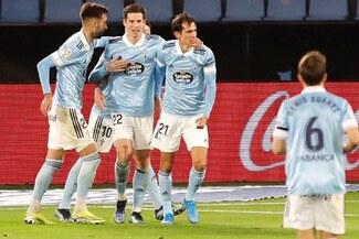 Con buena actuación de Renato Tapia, Celta de Vigo derrotó 3-1 al Elche