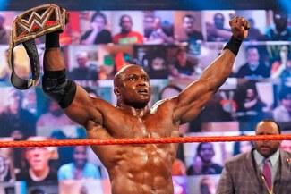 Bobby Lashley consiguió el título de WWE por primera vez en su carrera - VIDEO