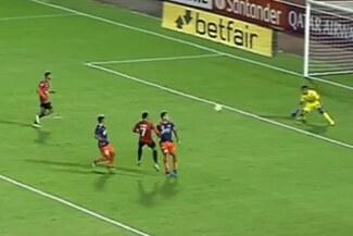César Vallejo eliminado: Celis aprovechó error en salida para el 2-0 de Caracas en la Libertadores - VIDEO