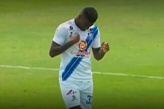 ¡Más 'piña'! El poste evitó que Carlos Ascues se estrené con gol en Alianza Atlético - VIDEO