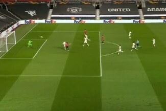 Cavani anotó un golazo para el 2-2 del Manchester United sobre Roma - VIDEO