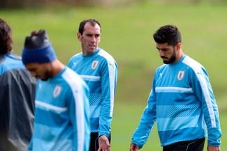 Suárez y Godín mandan mensaje de apoyo a Paolo Guerrero