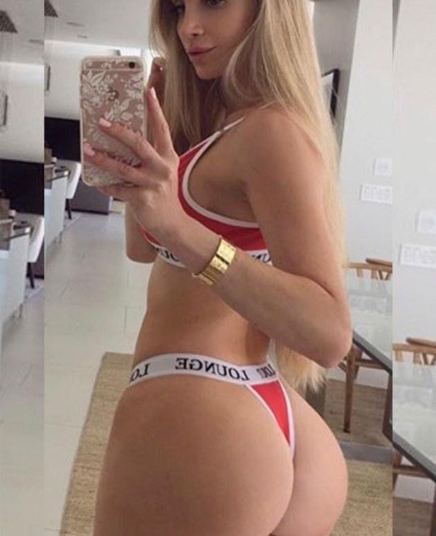 """¡FANÁTICA DE LA """"PULGA""""!  La entrenadora personal estadounidense es furor en redes sociales gracias a su escultural figura, producto de horas en el """"gym"""". Es hincha de Ruidíaz y está loca por conocerlo. ¡Mostro!"""