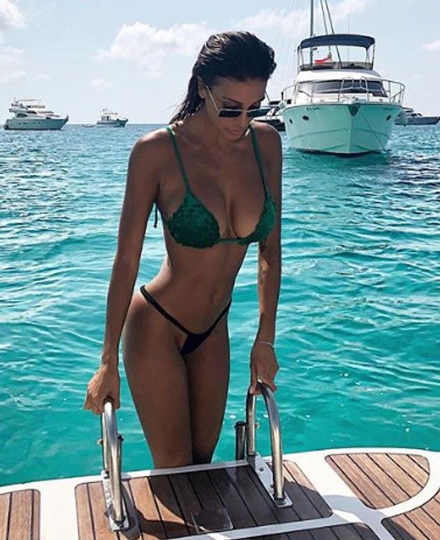 Cristina Buccino, la sexy modelo italiana que ninguna de las hinchadas de la Serie A de su país puede dejar de amar.