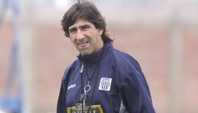 """Costas: """"Si se va Fernández necesitaré otro delantero"""""""