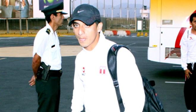 Buscan un lateral: En Sporting Cristal Guillermo Salas y Miguel Llanos son una opción