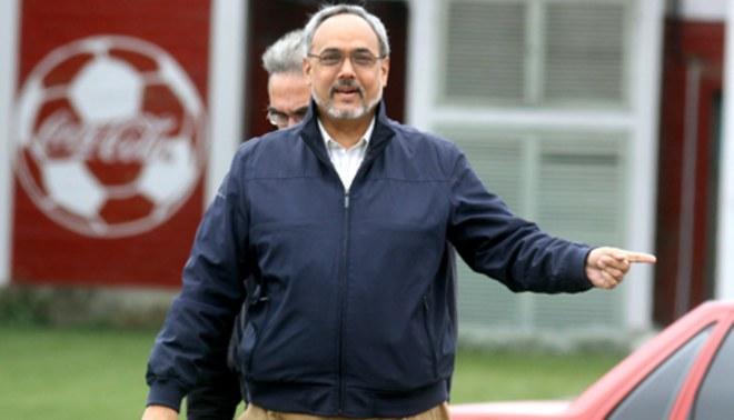 Manuel Burga pedirá quedarse un año más en la Federación
