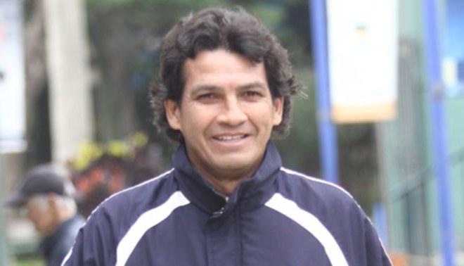Seguirá rugiendo: Franco Navarro se queda en el León