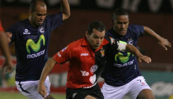 Fútbol peruano: Melgar recibe a Cienciano en el clásico del sur