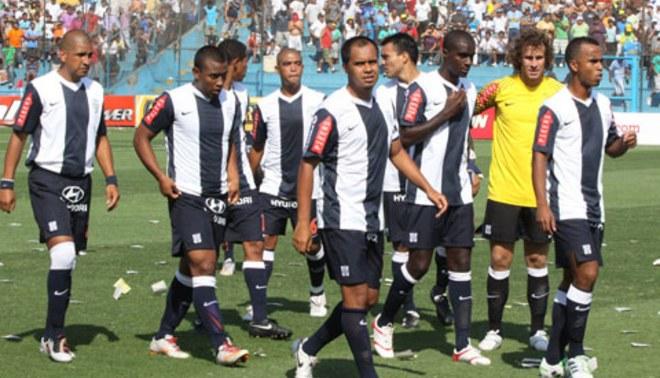 Jugadores de Alianza Lima no entrenaron ayer por falta de pagos