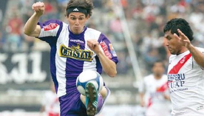 José Carlos Fernández: Jugaría por cualquier equipo menos en Universitario