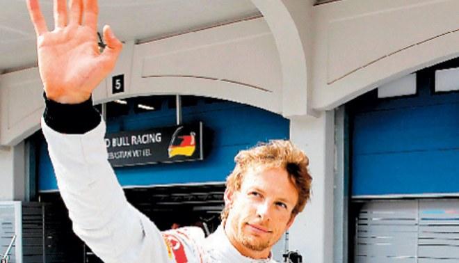 Button no le da ayudita a Hamilton