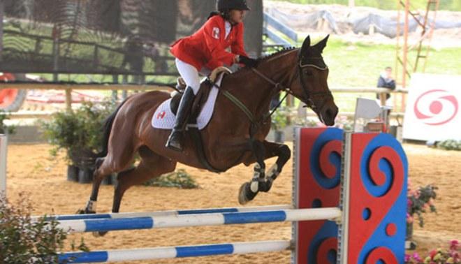 Andrea Durán consiguió Medalla de Oro para Perú en Equitación en Bogotá