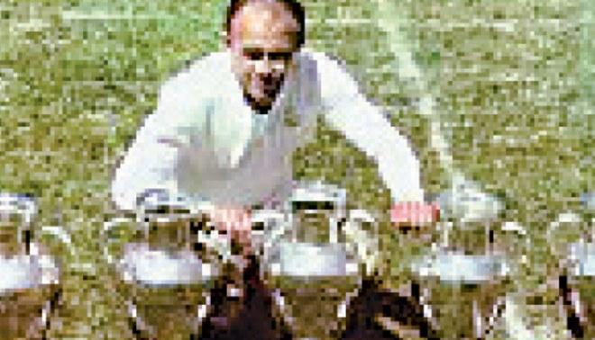 """Alfredo Di Stéfano, el """"D10S"""" de los años 50"""