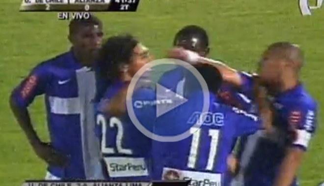 Mira la bronca entre Carlos Solís y 'Zlatan' Fernández en el partido ante la U. de Chile